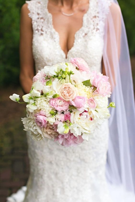 Bride - Cally in lace dress with vintage rose and peony bouquet