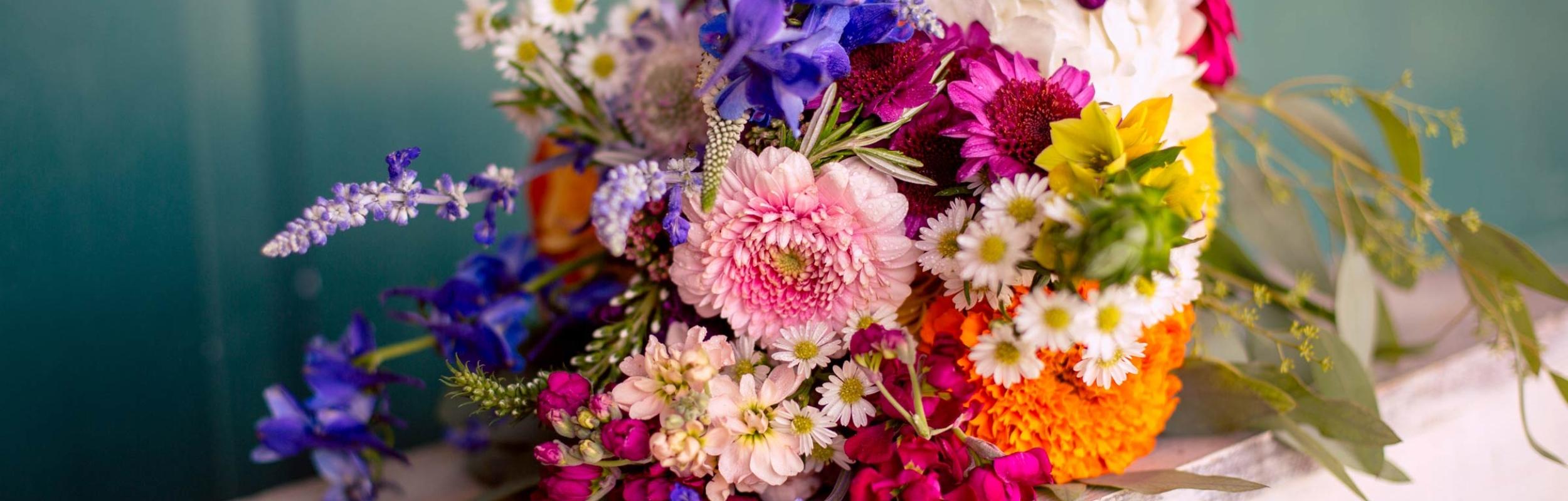 Bright-bridal-bouquet