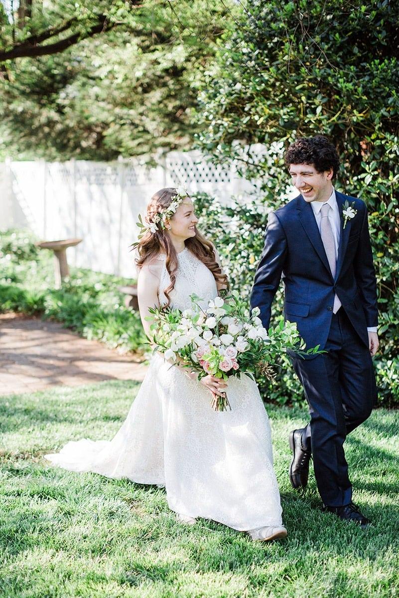 kaitlyn-couple-walk